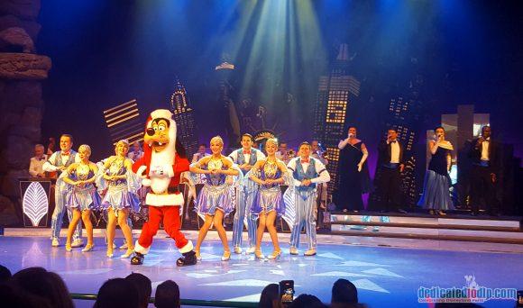 Disneyland Paris Christmas 2017 - Mickey's Christmas Big Band