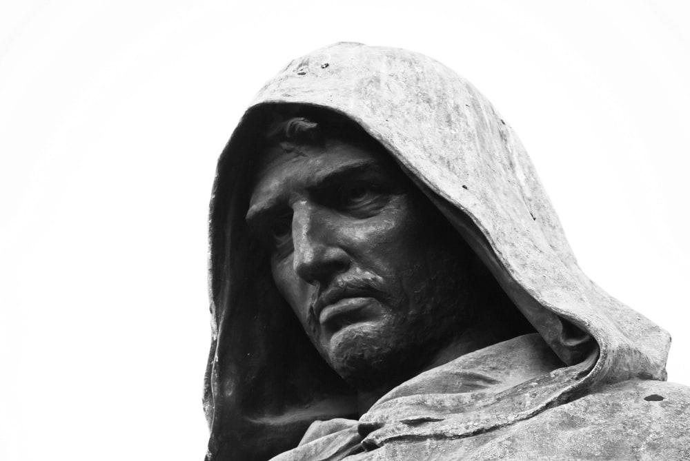Giordano Bruno (1548-1600) Statuen er utført av Ettore Ferrari.