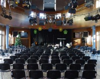 Kulturhafen Riverboat Tür mit Bühne
