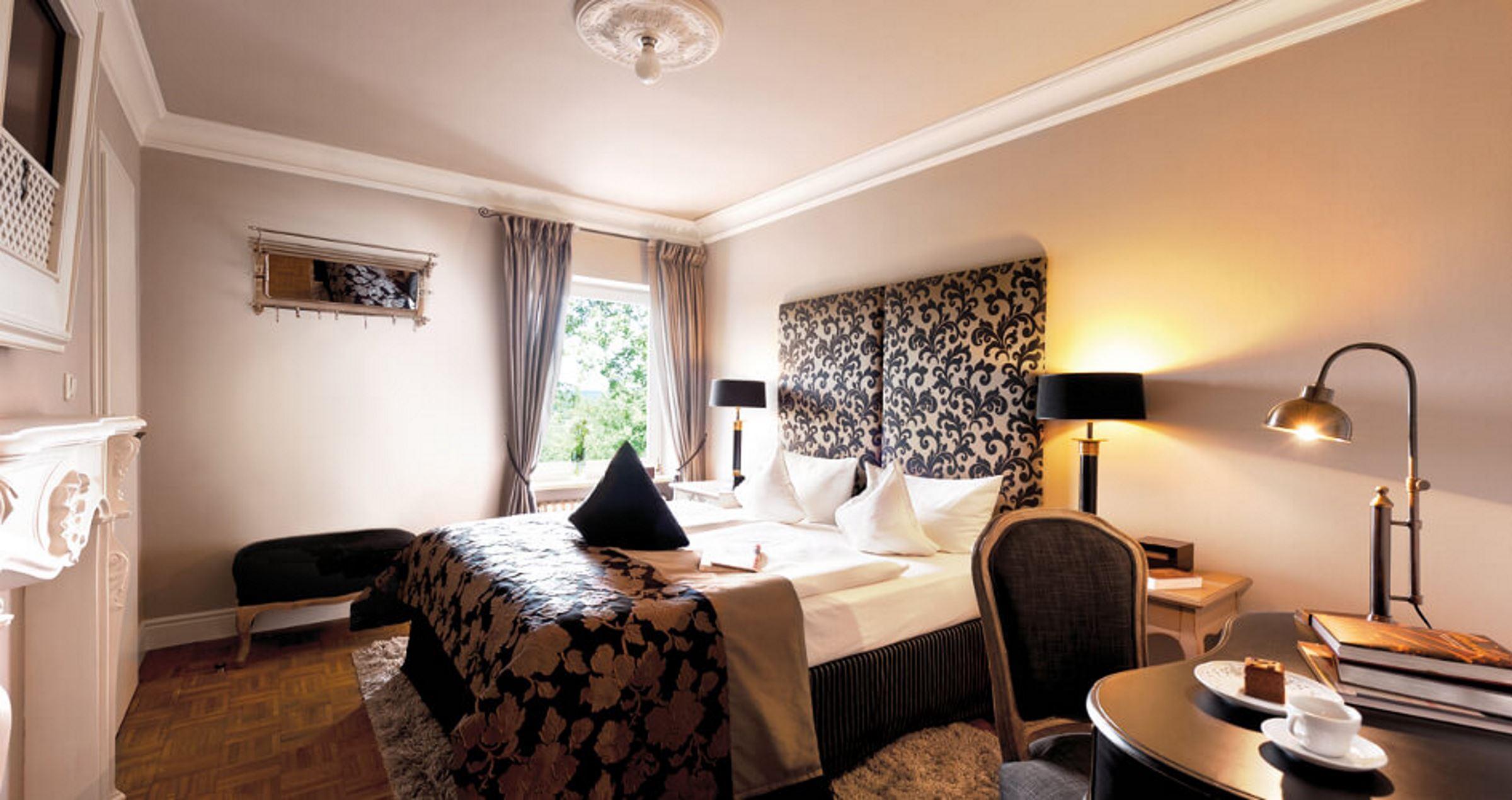 Schlosshotel Steinburg Bett