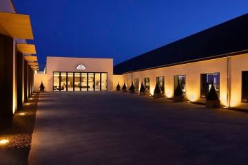 Automuseum Maybach Eingang im Dunkeln 2