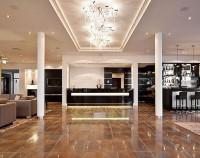 Hotel Burg Schwarzenstein Lobby 2