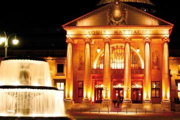 Kurhaus Wiesbaden Aussen Beleuchtet