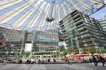 Sony Center Kachel
