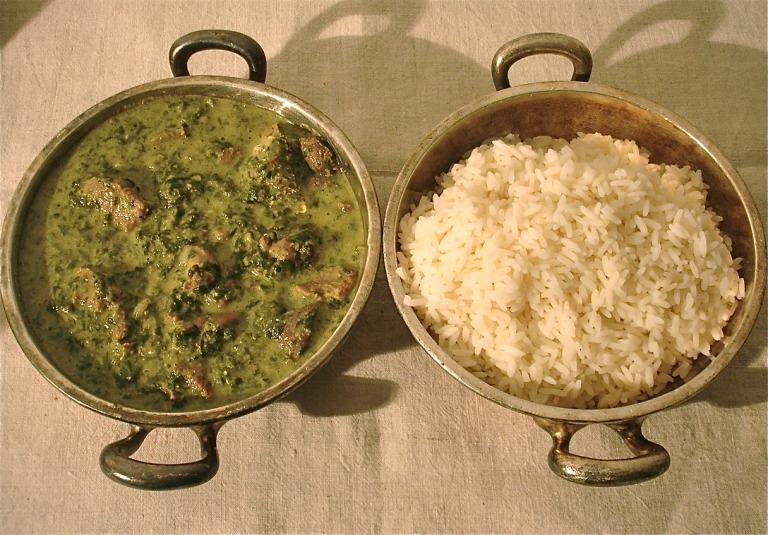 Indisches Spinatcurry mit Lamm und Yogurt