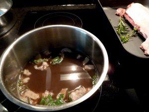 Soße vorkochen