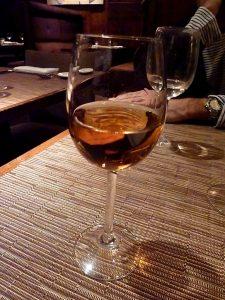 Dessertwein im Probierglas