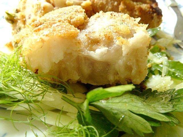Gebackene Schweinepfoten mit Fenchel-Kräutersalat
