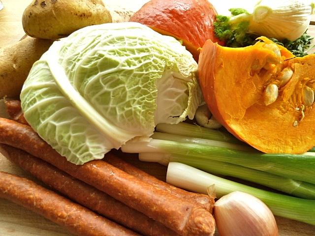 Eintopf mit Hokkaidokürbis, Kartoffeln und Wirsing