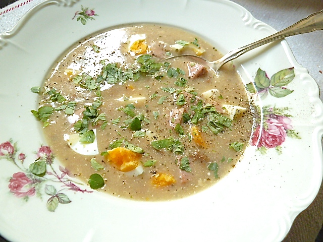 Zurek – Traditionelle polnische Suppe aus Sauerteig