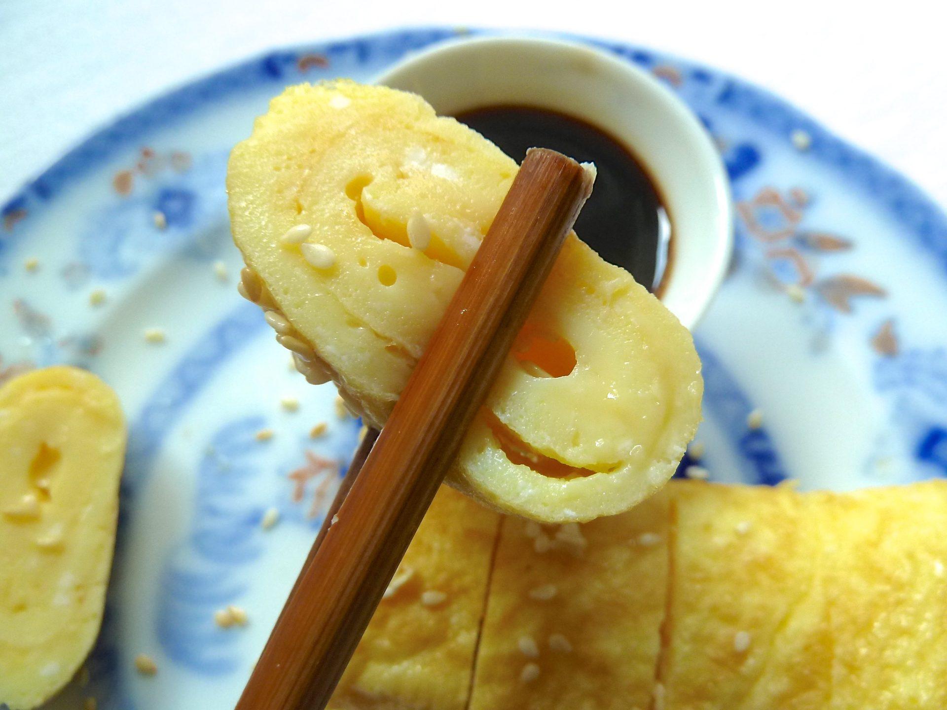 Gerolltes Omelette aus der Tamagoyaki Pfanne