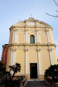 und eindrucksvoller Kirche