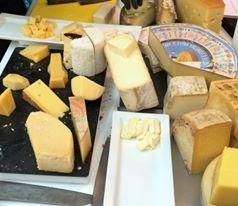 Rainer Heubeck Rainer Heubeck Käse mit Chutneys Foto © Dorothée Beil
