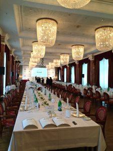 Vorbereitungen für 150 Gäste