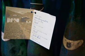 jede Flasche archiviert