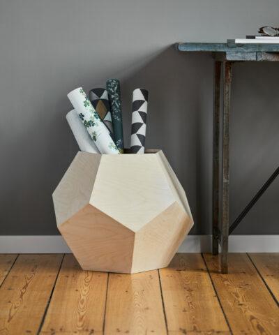 Sylvester multimøbel vist brugt som papirsholder