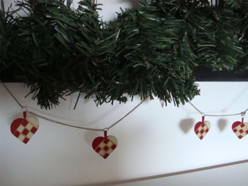 Julepynt og afsyrede møbler
