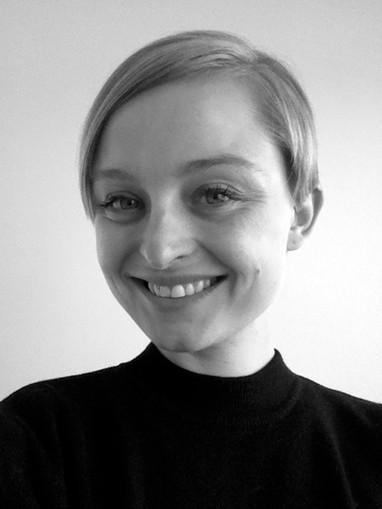 Kunstrejsens kunstner Marie Kølbæk Iversen