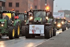 Hundredevis af traktorer med i lørdagens demonstration