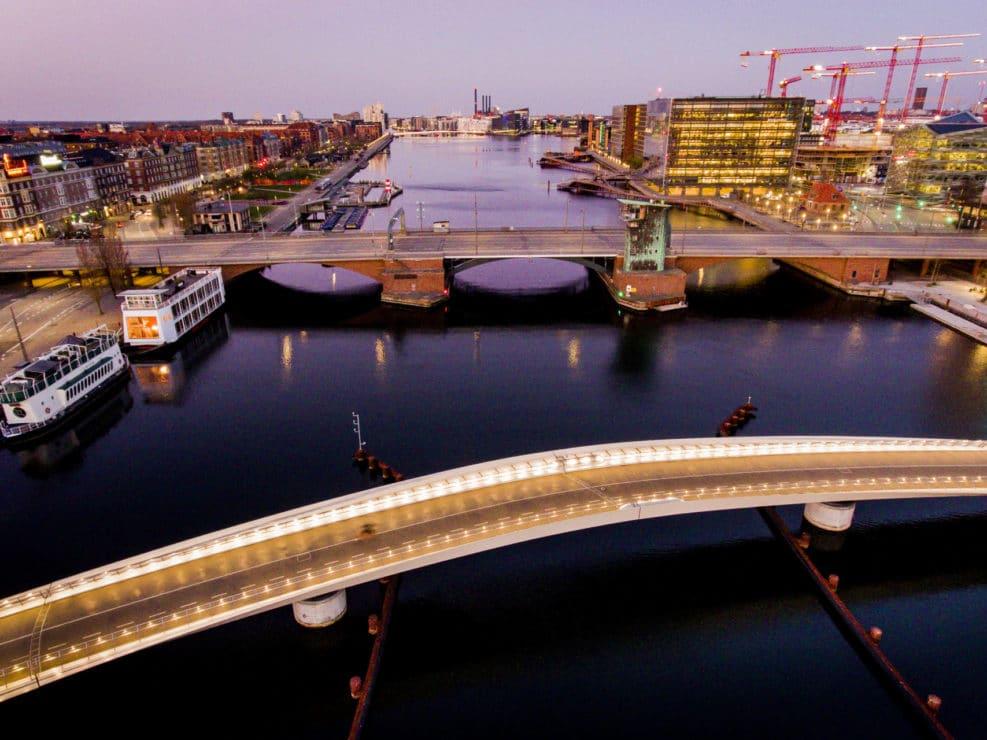 Corona Lockdown. Billeder fra havnen omkring Langebro i København