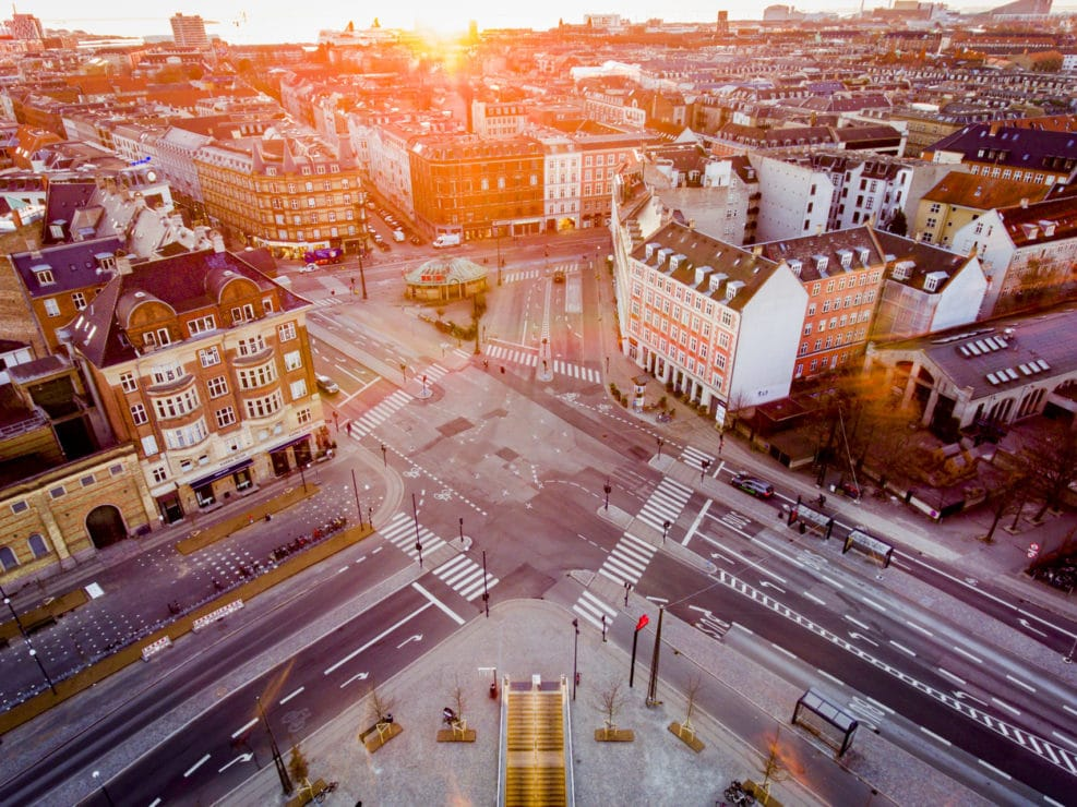Corona Lockdown. Billeder fra Fælledparken og Trianglen på Østerbro i København.