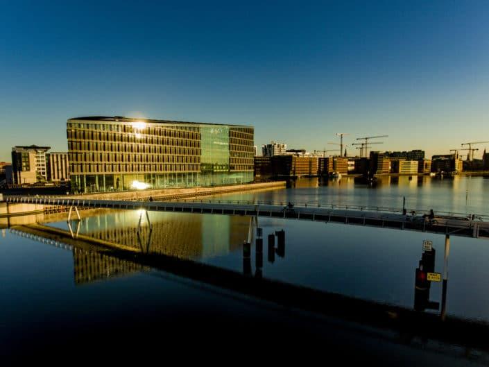 Bryggebroen, Islands Brygge og Havneholmen i København.