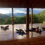 Yoga in de Izhcayluma Lodge in Vilcabamba Ecuador
