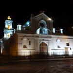 Kerk in de avond in Cuenca reisadvies