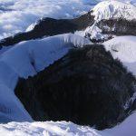 Krater van de Cotopaxi Vulkaan in Ecuador