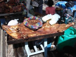 Reisadviezen over eten op straat in Guamote