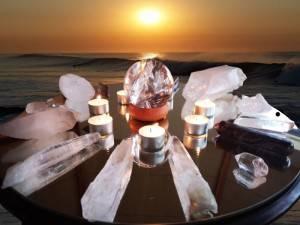 krystalbord med sol baggrund