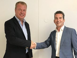 Terje Bøe, CEO Rapp Bomek and Alan McTear, Managing Director Rhino Systems (photo: Rapp Bomek)