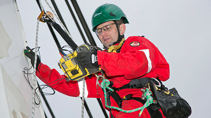 Sparrows technician carrying out Non-Destructive Testing (NDT) for a crane inspection (photo: Sparrows Group)