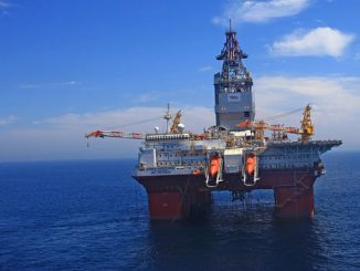 'Transocean Endurance' semi-submersible drilling rig