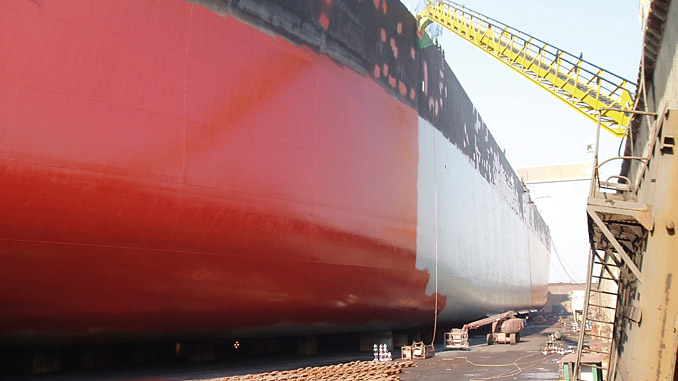 The SeaForce biocidal antifouling range features breakthrough Hydractive™ technology