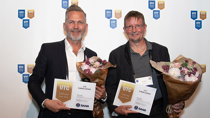 Peter Erkers, Sales Director and Jan Siesjö, Chief Engineer, receiving the UTC Award on behalf of Saab Seaeye
