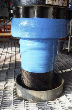 In the final step of the 355-mm (14-inch) line repair, technicians applied 2 layers of UV stable epoxy to protect the repair from future corrosion and abrasion