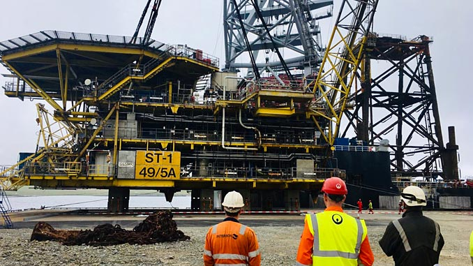 ST-1, comprising of a 45-metre-high 1,300 tonne steel jacket and 1,200 tonne topsides structure arrives at the Dales Voe decommissioning facility