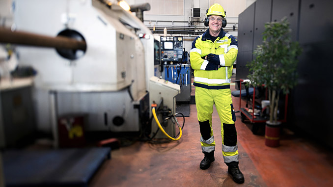 A WelllConnection employee at its Mongstad facility