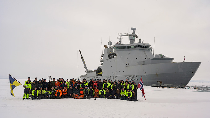 The crew of 'KV Svalbard' at the North Pole