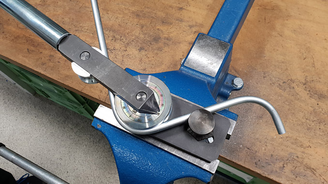 Clamp and bend to the required angle: it's that simple with the Stauff manual tube bender