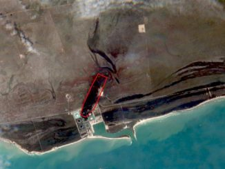 Satellite image after the impact of Hurricane Dorian on the South Riding Point oil terminal at Grand Bahama Island – the red outline denotes the plume area of the oil spill, ca. 0.5 sq km, and ca. 1.3 km in length (photo: Equinor/ESA Sentinel-2 satellite)