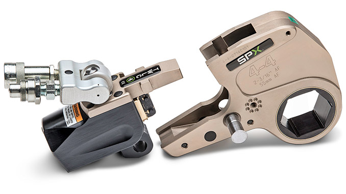 TWLC heavy duty torque wrenches are designed for low weight with high strength, offering reduced height and a tight nose radius, which makes them ideal for bolting areas which are restricted with square-drive wrenches