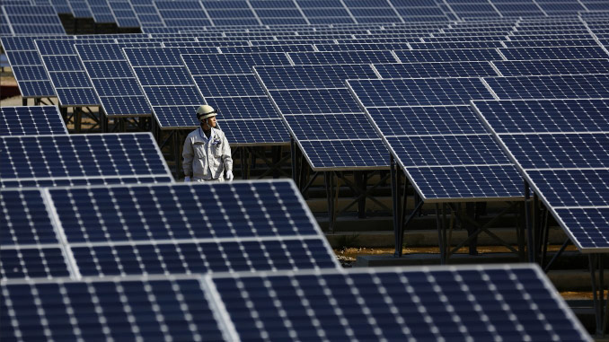For 40 years, Total has been committed to advancing solar energy (photo: PIERRE-OLIVIER/Capa Pictures/Total)