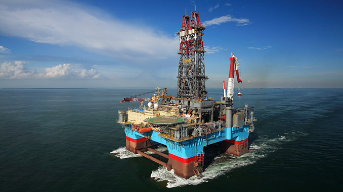 'Mærsk Developer' is a DSS-21 column-stabilised dynamically positioned semi-submersible rig