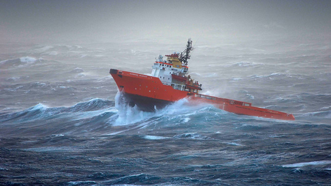 WaveFinder eliminates the need for on-board meteorologists or costly wave buoys, enabling savings of up to 80% (Based on annual buoy rental cost of USD 170,000 and a 4-hour average deployment and retrieval time) (photo: Jon Fjeldstad/Fotoarkivet.no)