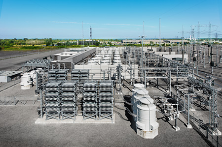 SVC Classic substation based on a light-triggered thyristor valve system (photo: Siemens Energy)