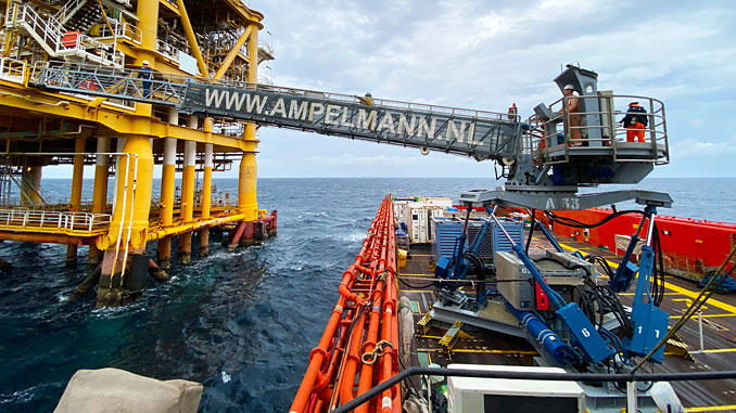 Ampelmann A-type W2W system in action in the Middle East