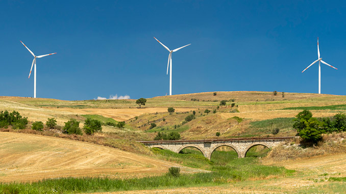 Eni continues its decarbonisation process with the strategic development of renewable energy sources (photo: Getty Images/iStockphoto)