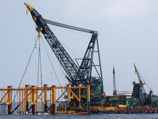 'Derrick Barge 30' – a derrick/lay barge with heavy-lift and pipelay capabilities